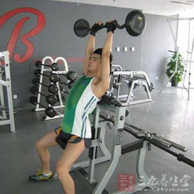 小杠铃锻炼腰部方法图解