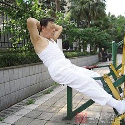 60岁女人还能操吗_重庆一八旬老人自创保健操