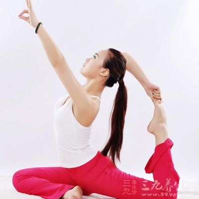 人们都知道瑜伽有很好的<a href=http://www.580n.com/ target=_blank class=infotextkey>养生</a>保健效果,可以很好的塑造完美身材,但是瑜伽美容效果你了解吗