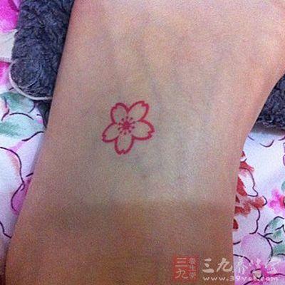 除了樱花纹身