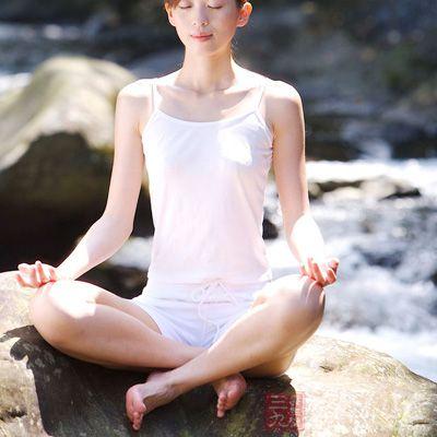 静坐是停止我们思想的捷径,是内心宁静的艺术