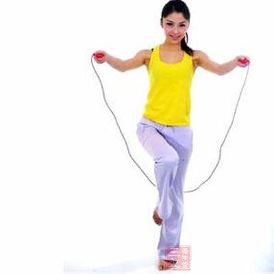跳绳能减肥吗_跳绳的好处 经常跳绳能减肥瘦腿吗(10)