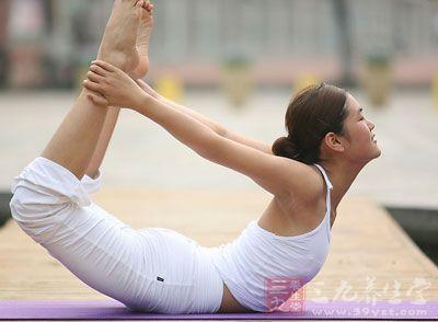 来自NIH的研究人员进行了学术报告,指出瑜伽运动可以有效阻止,甚至逆转慢性疼痛造成的大脑结构变化和损伤