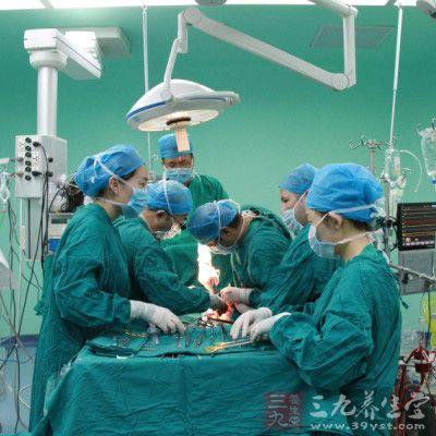 """对患者进行药物灌注,血管栓塞或扩张成形等""""非外科手术""""方法诊断和"""