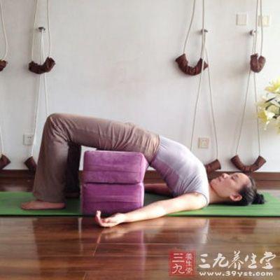 练习瑜伽能减肥吗?无数成功的例子摆在我们面前