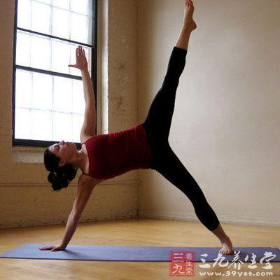 保持完成姿势时的呼吸数,以自己的体能为限