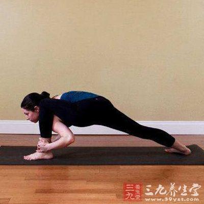 瑜伽发源于印度,是一门源远流长、历史悠久、内容丰富的练功方法