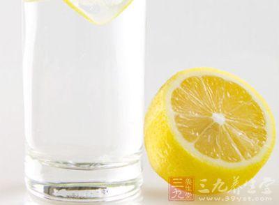 常喝温柠檬水