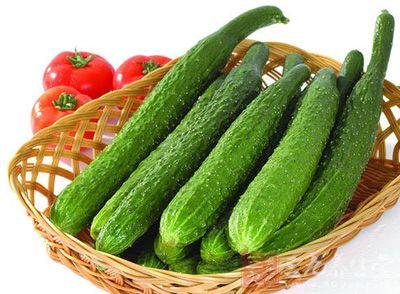 黄瓜中含有丰富的维生素E,可起到延年益寿,抗衰老的作用