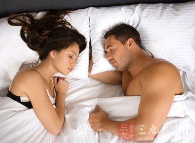 男女这样的睡姿竟会致命