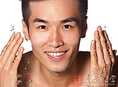 美容护肤步骤 夏季男士护肤步骤全攻略