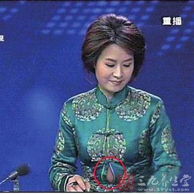 贵州卫视的女主播_贵州卫视女主播直播时不慎走光露肚皮