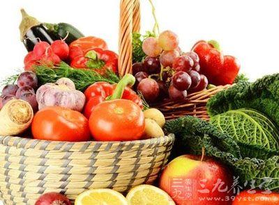 宜食清淡蔬菜以及豆类、鸡蛋、米粉等