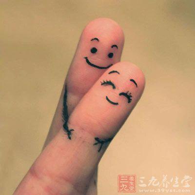 手指的末端存在着许多的穴位,连接着身体各个器官