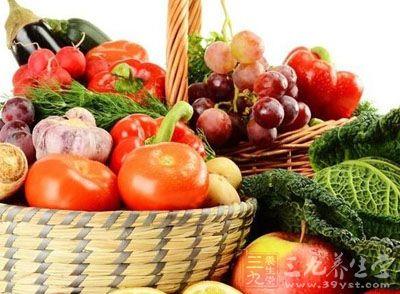 适量补充维生素C、抗氧化的矿物质和生理活性物质
