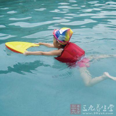 么学游泳 游泳的正确姿势你知道吗 9