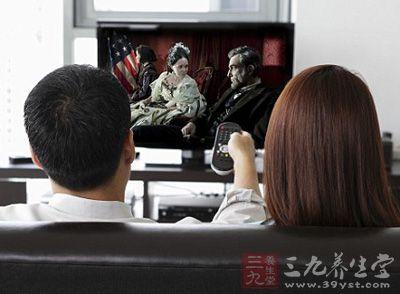 看电视其实对身体健康有危害