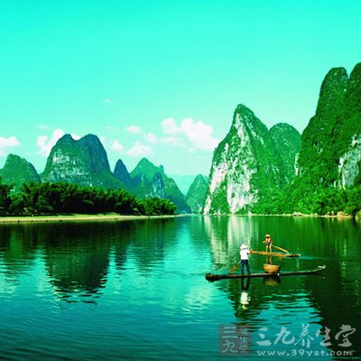 桂林漓江风景区是世界上规模最大,风景最美的岩溶山水游览区