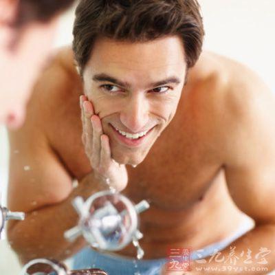 脸部保养步骤 男士护肤的重点(5)