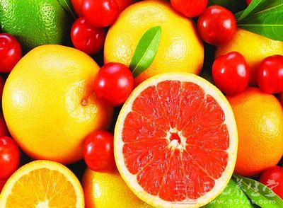 吃饭,就特别想吃水果,可是你知道感冒吃什么水果好呢?感冒能