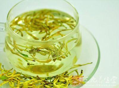 金银花泡水喝的功效 金银花泡水喝的方法及害处
