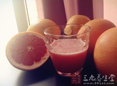 美国FDA称心脏病人慎饮西柚汁