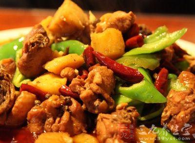 大盘鸡的做法 自制大盘鸡给您新疆风情