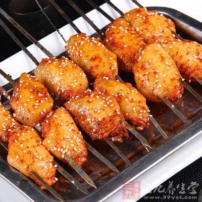 刺火烤_烤鸡翅的做法 鲜香烤鸡翅让您爱不释手