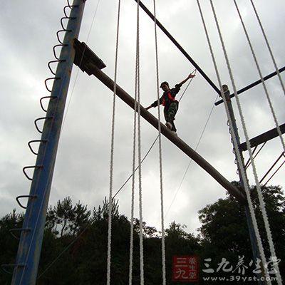 拓展训练之独木桥