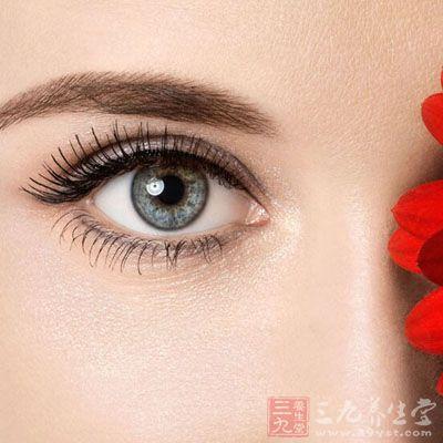 仅有在眼球内转时上转受限,不伴有下斜视及在内转时不伴有下斜视