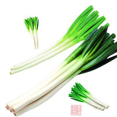 在食谱中添加大葱可以治疗月经不调
