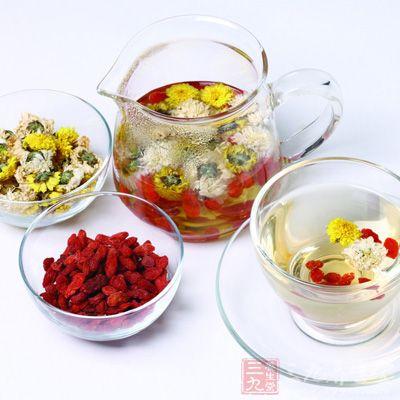 花茶包括茉莉花茶,玉兰花茶,桂花茶,玫瑰花茶等,是以绿茶为茶坯