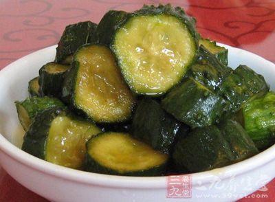 怎样腌制黄瓜咸菜 食用时要注意什么