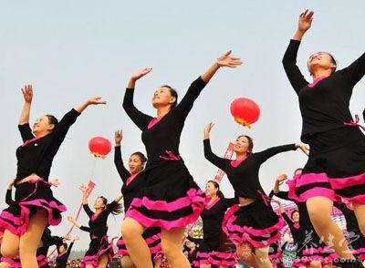 美久广场舞 美久广场舞流行歌曲教学