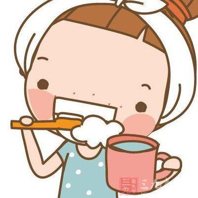 早晨起床后先喝水还是先刷牙图片