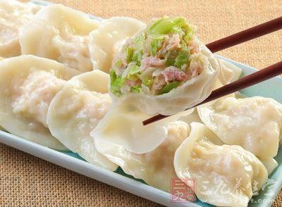 韭菜肉饺子馅的做法 美味饺子包您满意