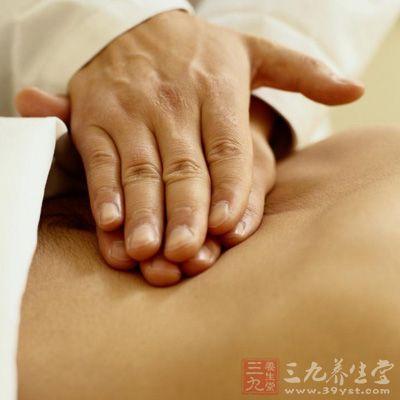 大便难解时,可用双手手背贴住双肾区,用力按揉,可激发肾气