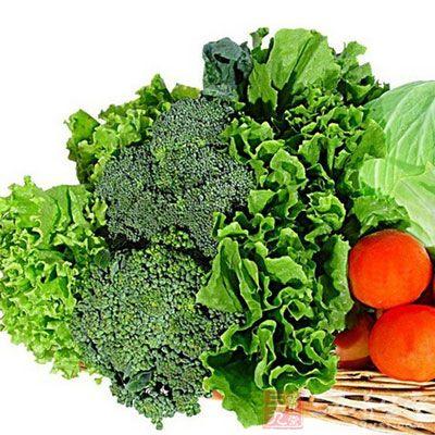 这些维生素广泛存在于绿叶蔬菜,新鲜水果及动物肝脏,植物油等食物中.