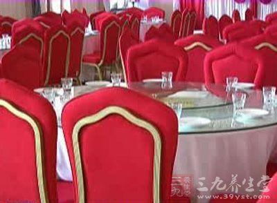 长春新人在酒店办婚礼 婚宴后70多人腹泻