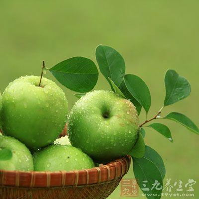 苹果中的粗纤维可促进肠胃蠕功,并富含铁、锌等微量元素