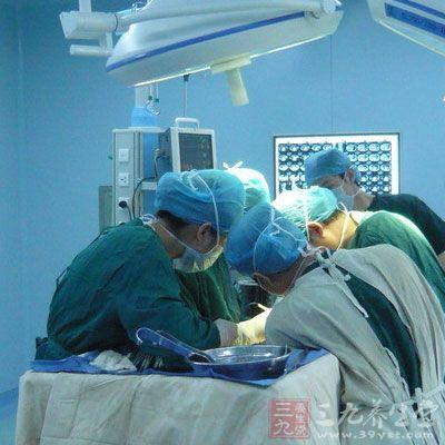 共配置达芬奇手术机器人15台,包括地方三级甲等综合性医院4家:复旦