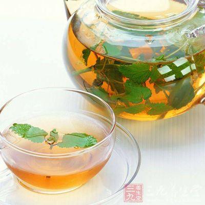 佩兰茶:化湿解暑