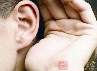 儿童游泳中耳炎症状