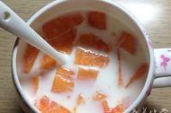 喝牛奶能丰胸吗 教大家怎么做木瓜牛奶