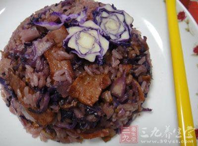 紫甘蓝乳酪烩米饭