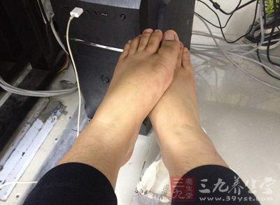足部按摩是对足部表面施加压力使它影响全身