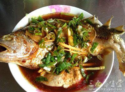 清蒸鱼的做法和步骤 几大技巧蒸出美味来