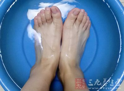 糖尿病治疗 这种洗脚方式才适合糖尿病人