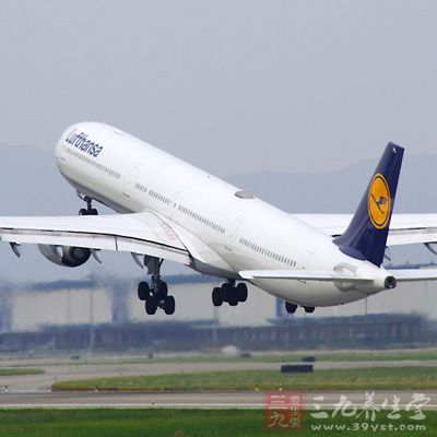 坐飞机注意事项 哪些人坐飞机应提高警惕(2)
