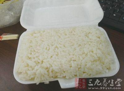 【好大夫说】扬州炒饭的家常做法 营养美食轻松做